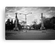 Brooklyn Grand Army Plaza: birds on a wire Canvas Print