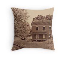 Vervilla Stagecoach House Throw Pillow