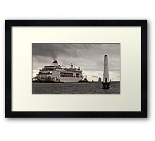 Pacific Pearl at Station Pier, Melbourne Framed Print