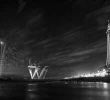 Palm Tree on the Pier - Fireworks @ Blackpool, Fylde, Lancashire by Simon Lupton