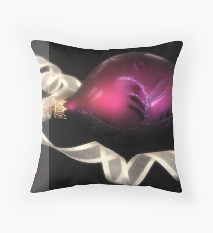 Bauble glow Throw Pillow