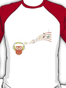 Owl be listening to music! T-Shirt