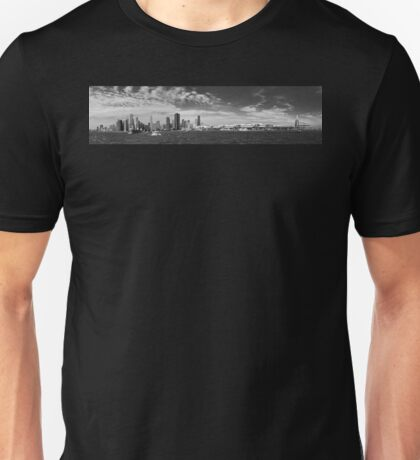City - Chicago IL -  Chicago Skyline & The Navy Pier BW Unisex T-Shirt