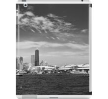 City - Chicago IL -  Chicago Skyline & The Navy Pier BW iPad Case/Skin