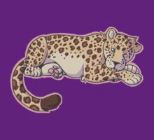 cutesy leopard by Guggles