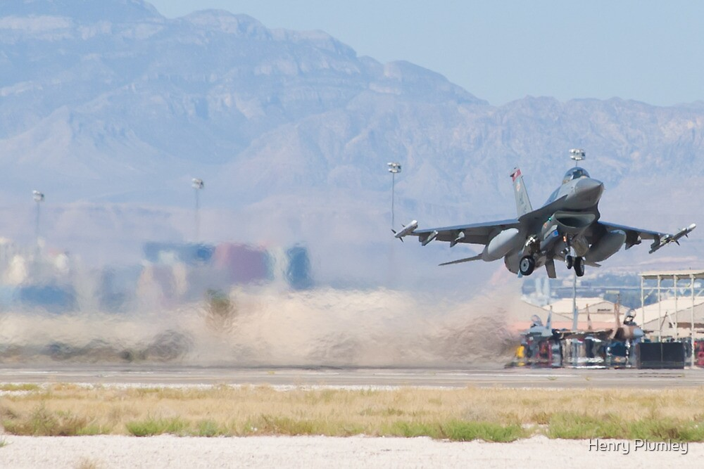 #HL AF 89 149 F-16C Fighting Falcon Wheels Up by Henry Plumley