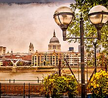 View on St Paul`s Cathedral  by LudaNayvelt