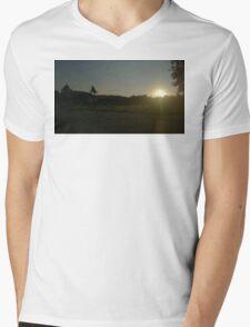 Vienna Silhouette Mens V-Neck T-Shirt