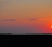 Sunset Over the Gulf of Mexico by joevoz