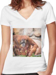 Mama orangutan and baby Women's Fitted V-Neck T-Shirt