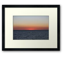 Ocean saying goodnight - BB0361 Framed Print