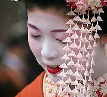 Maiko Umeyae 梅八重 by Jenny Hall