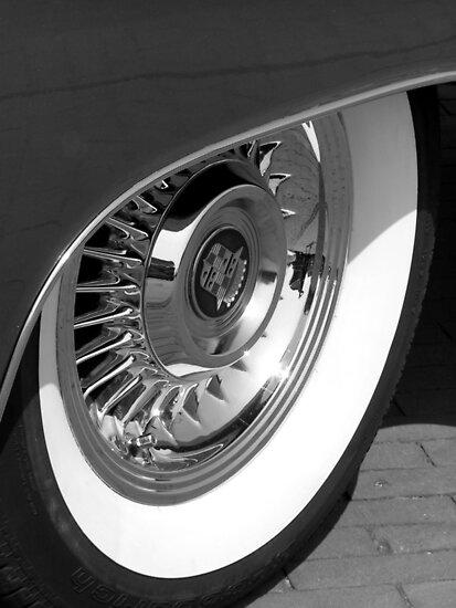 Black & White wall tyre by patjila