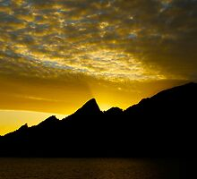Midnight Sun by LookinGoodImage