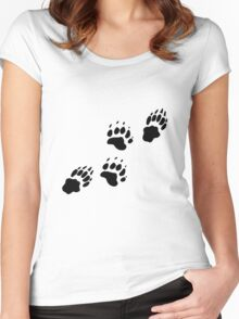 Bear Tracks Women's Fitted Scoop T-Shirt