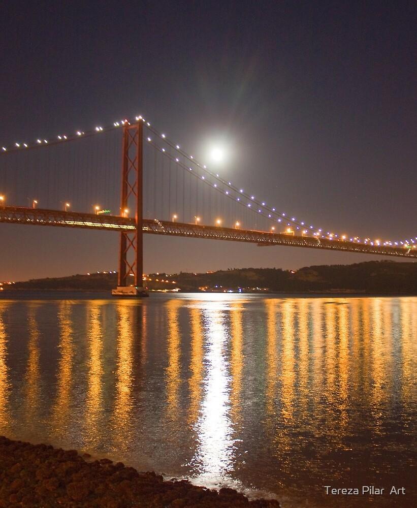 Lua cheia. Lisbon. Full moon. by terezadelpilar ~ art & architecture