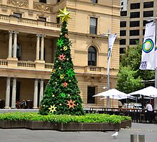 Christmas in Sydney Town 2011 by ronaldbegg