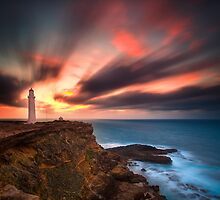 Cape Nelson Lighthouse by damienlee
