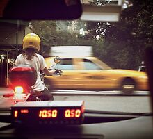 Taxi by Alberto Reyes