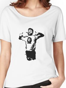 Che wearing Che Women's Relaxed Fit T-Shirt