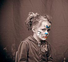 Isabelle with Facepaint by Samantha Van Stralendorff