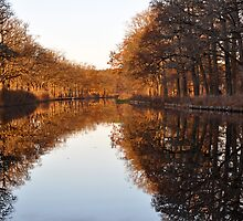 hjälmare canal by Jari Hudd