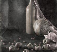 Still Life with apples by Sviatlana Kandybovich