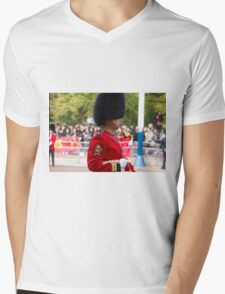 Guardsman on duty in the Mall london Mens V-Neck T-Shirt