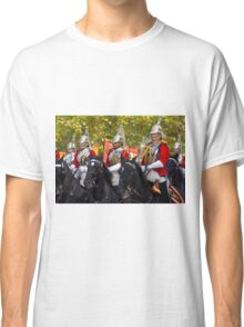 Chinese President Xi Jinping and his wife Peng Liyuan joined the Queen in a state procession  Classic T-Shirt