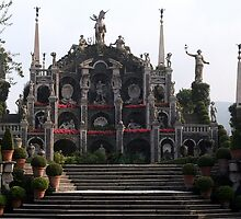 Isola Bella Gardens - The Triumph  by sstarlightss
