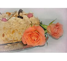 Cake and roses  Photographic Print