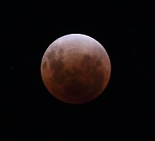 Totality - Lunar Eclipse 10th Dec 2011 by Mark Bolton