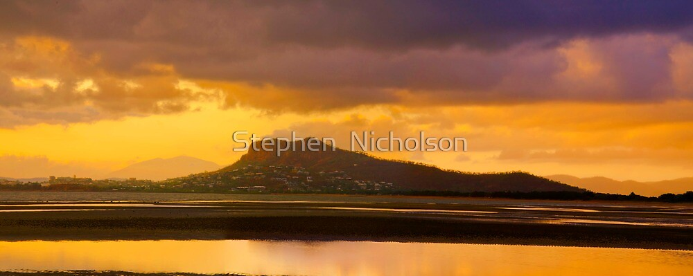Low Tide over the bay -  Townsville by Stephen  Nicholson