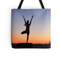 Tree pose silhouette in front of the Statue of Liberty, New York Tote Bag