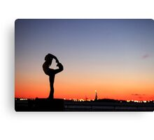 Yoga in New York silouette Canvas Print
