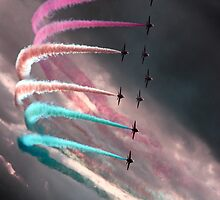 Red Arrows in Phoenix Bend by tarantella
