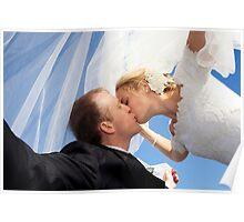 Kiss under veil Poster
