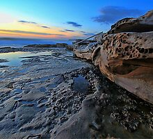 Rock Shelf - Maroubra by Arfan Habib