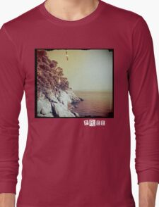 Free - T-shirt Long Sleeve T-Shirt
