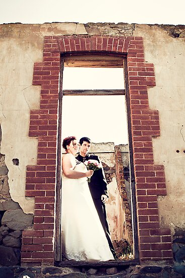 At the farmhouse ruins, South Australia  : Renee & Cameron by JimFilmer