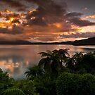 Tarawera Sunrise 16 december 2011 by Paul Mercer