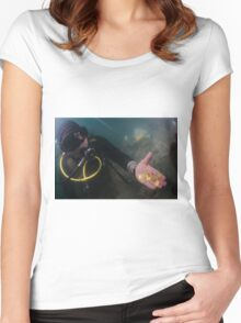 Scuba Divers uncover a hoard of 2000 gold coins from the Fatimid period  Women's Fitted Scoop T-Shirt