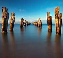 Clifton Springs by Richard  Cubitt