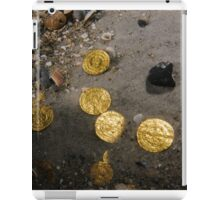 Scuba Divers uncover a hoard of 2000 gold coins from the Fatimid period iPad Case/Skin