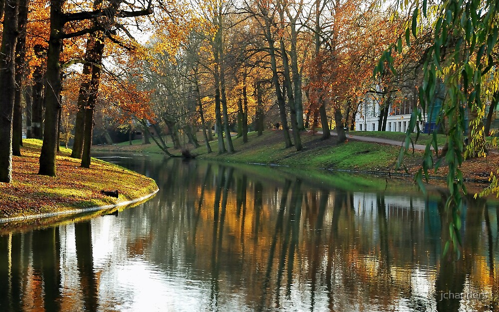 Late autumnal beauty at Utrecht by jchanders