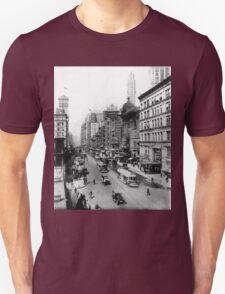 Vintage Broadway NYC Photograph (1920) Unisex T-Shirt