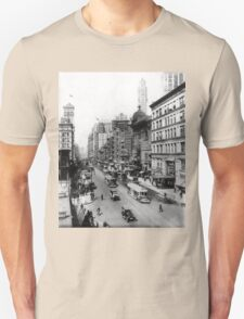 Vintage Broadway NYC Photograph (1920) Unisex T-Shirt