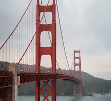 Golden Gate Bridge - San Francisco - United States by Erin McMahon