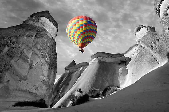 Hot Air Balloons Over Capadoccia Turkey - 10 by Paul Williams