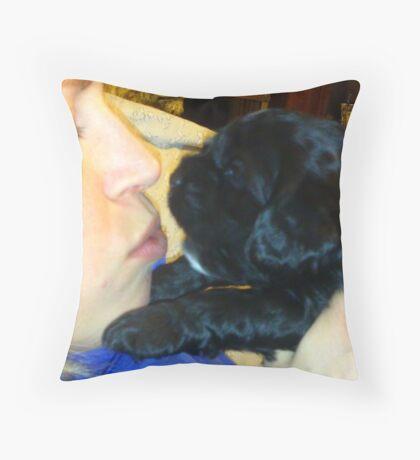 Cocker Spaniel kisses Throw Pillow
